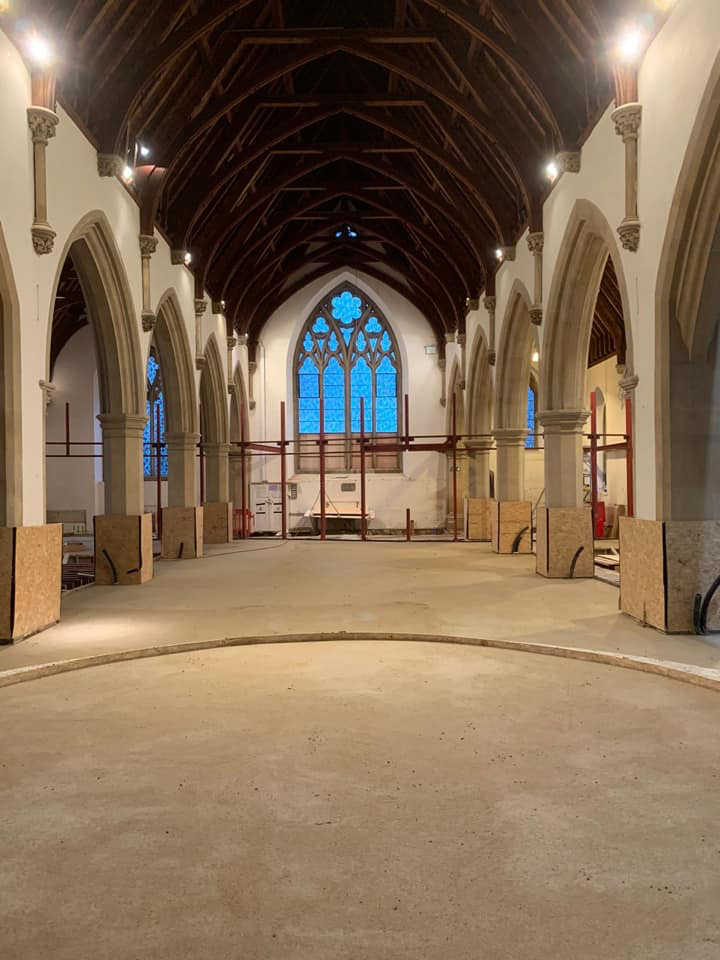 Underfloor heated limecrete floor for GI Listed church